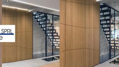 Escalier et parois vitrées